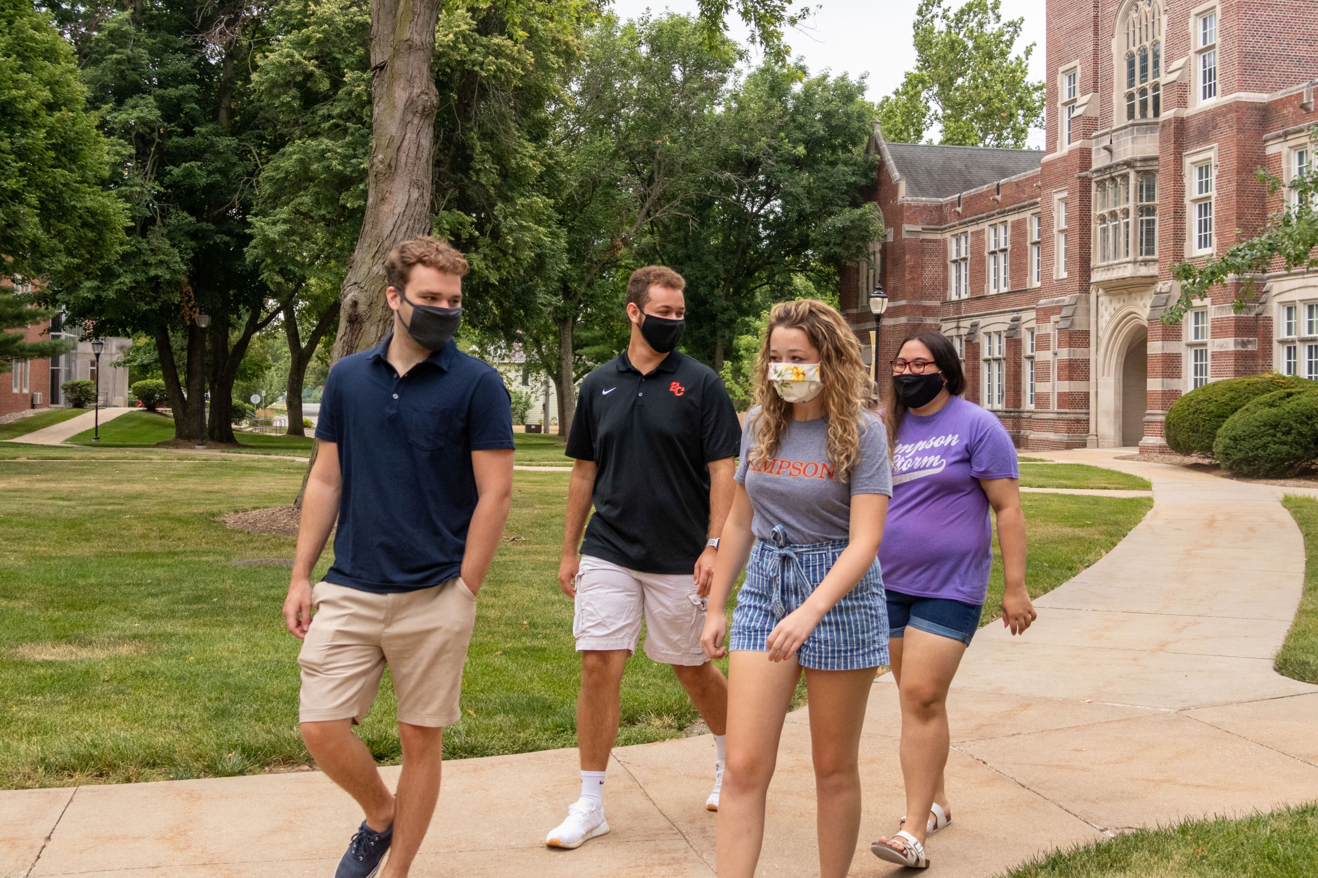 campus tour with masks